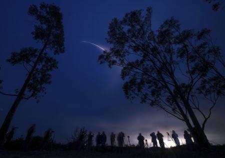ناسا تطلق صاروخا يحمل قمرا صناعيا لقياس درجة الرطوبة على الأرض