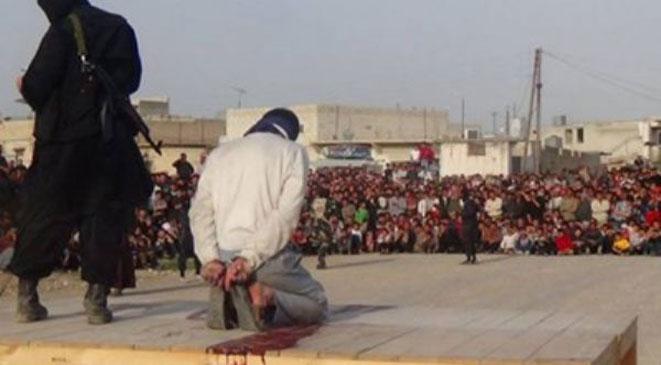 داعش يأسر جنديا عراقيا ويقطع رأسه