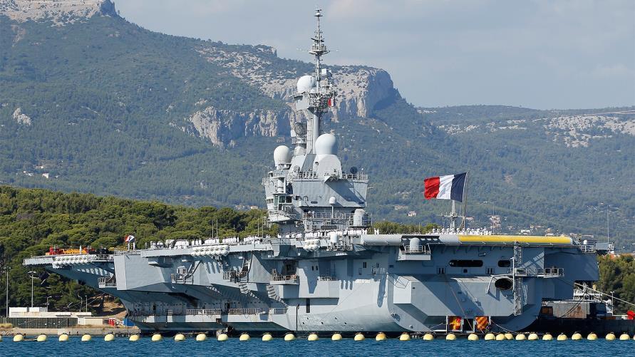 فرنسا تعلن الحرب على