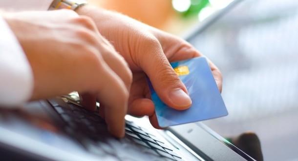 دراسة: كبار السن يلحقون بركب التكنولوجيا في التعاملات البنكية