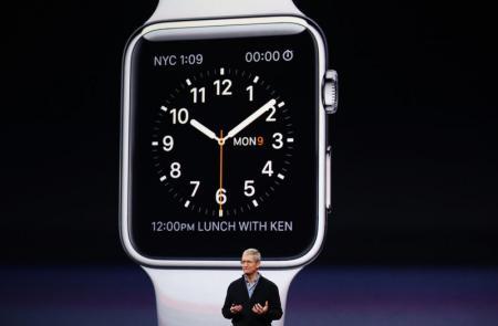 استطلاع: ساعة ابل الذكية قد تكون صعبة التسويق