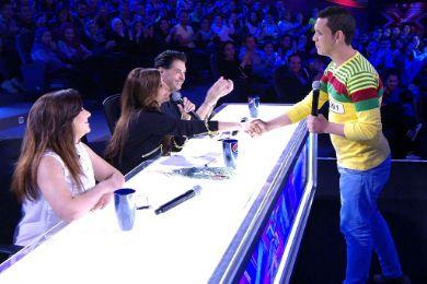 معجب يطلب يد إليسا على الهواء مباشرة