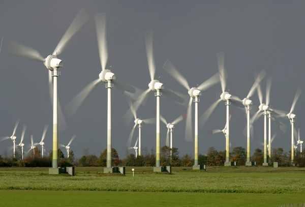 العراق يخطط لتهيئة مناخ الاستثمار في الطاقة