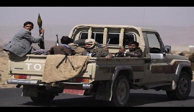 وفد عسكري من الحوثيين في طهران لإنهاء صفقات عسكرية