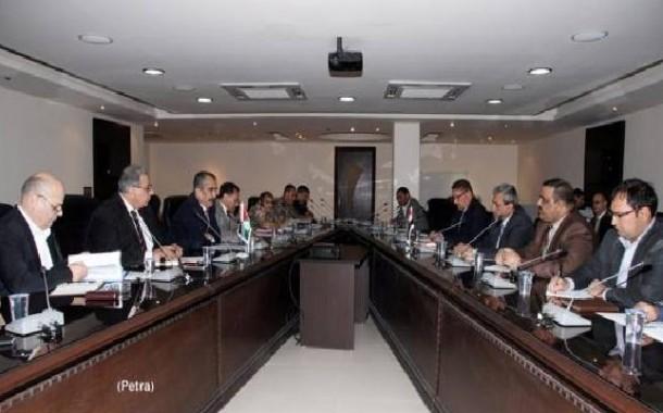 العراق والأردن يبحثان تسهيل نقل البضائع عبر مركز حدود الكرامة
