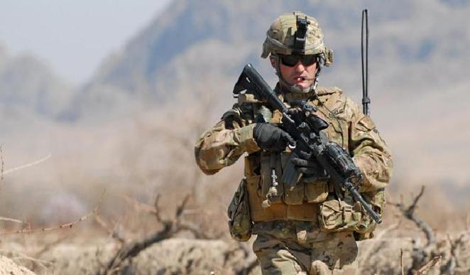 القوات الأمريكية تبني قاعدة فرعية داخل عين الأسد