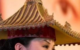 الشرق والغرب يلتقيان في معرض للازياء يكشف عن تأثير الصين