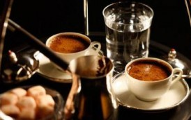 """""""القهوة"""".. سحرت العالم وعشقها الملايين فما قصتها ومن أين بدأت؟"""