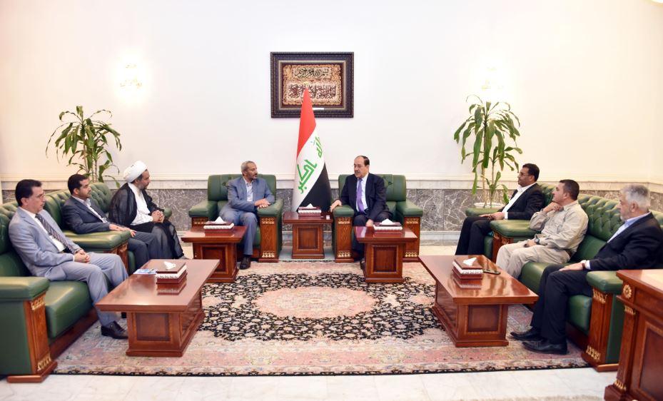 وفد حوثي يلتقي وزير الدفاع الإيراني على أرض العراق بحضور المالكي