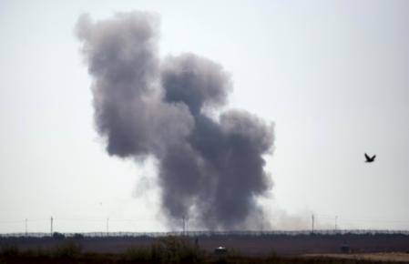 الجيش المصري يعلن مقتل مئة متشدد و17 جنديا في اشتباكات بشمال سيناء