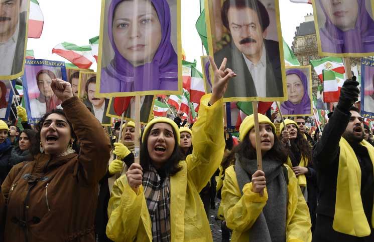 مجاهدو «خلق» معارضون شرسون للنظام الإيراني
